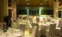 Tables dressées - Grange à Dîmes