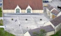 Vue aérienne cour - Domaine de la Baronnie